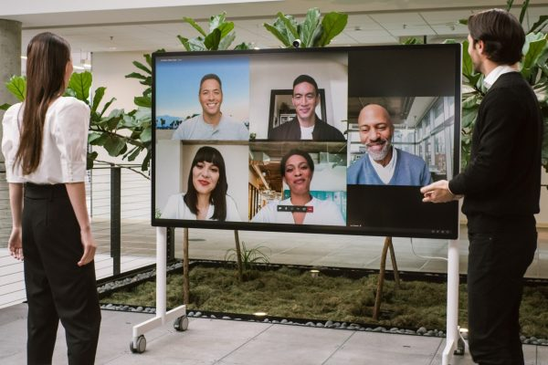 Surface-Hub-2S-85-inch_010-scaled